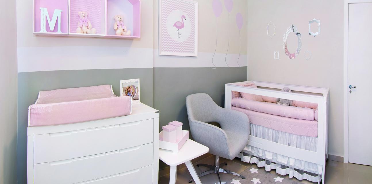Quarto Feminino Tem Decora O Com Estrelas Casa Ambiente Beb  ~ Quarto Bebe Feminino Papel Parede